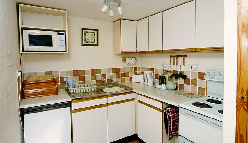 Forge Self Catering Cottage: Kitchen