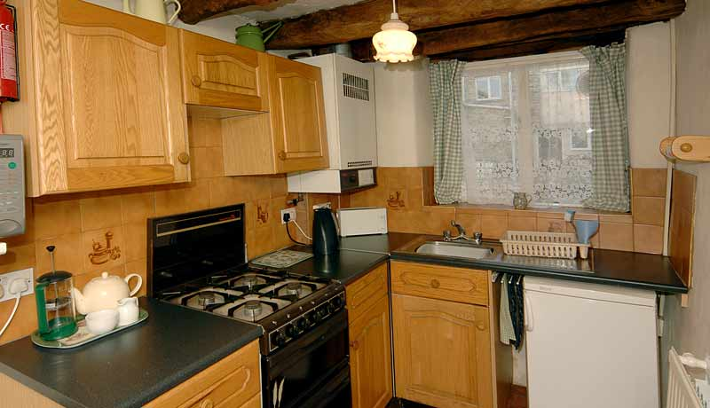 Saddlers Holiday Cottage Kitchen