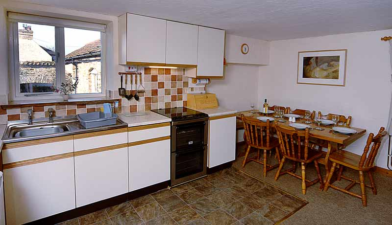 Thatchers Self Catering Cottage: Kitchen Diner