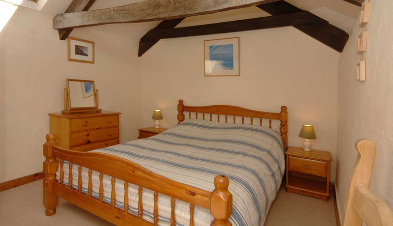 Weavers Holiday Cottage: Double Bedroom