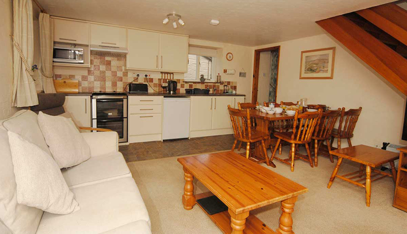 Wheelwrights Cottage: Open Plan Dining Room